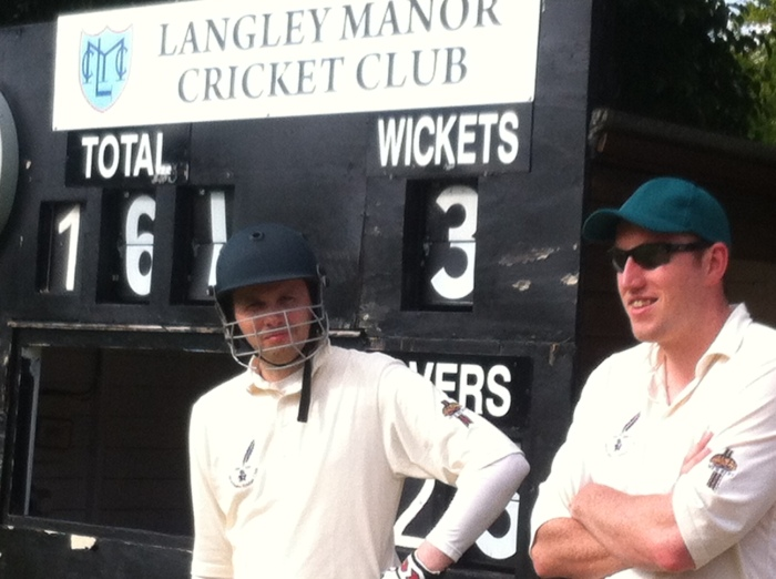 Every team has a Statto in it. He's on the left. Ben Procter on the right, at Langley Manor CC on the first day