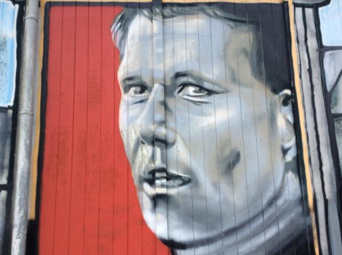 Marco van Basten mural